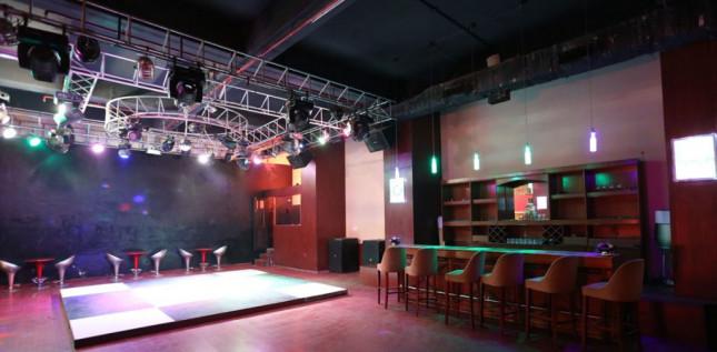 Roots-Night-Club-in-Jaipur