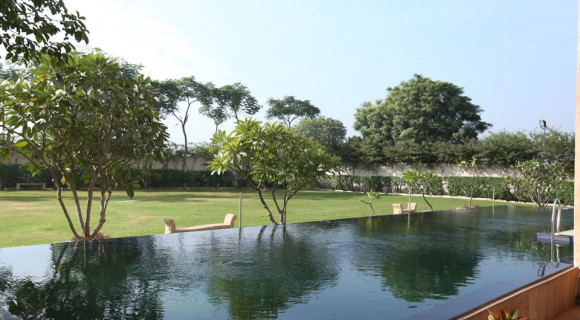 POOL-SIDE-GARDEN-Eco-friendly-Hotel-Ramada-Jaipur-Jaisinghpura