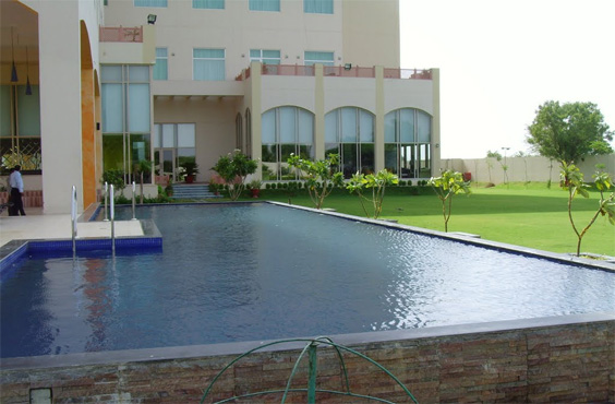 Poolside-Wedding-Venue-Jaipur